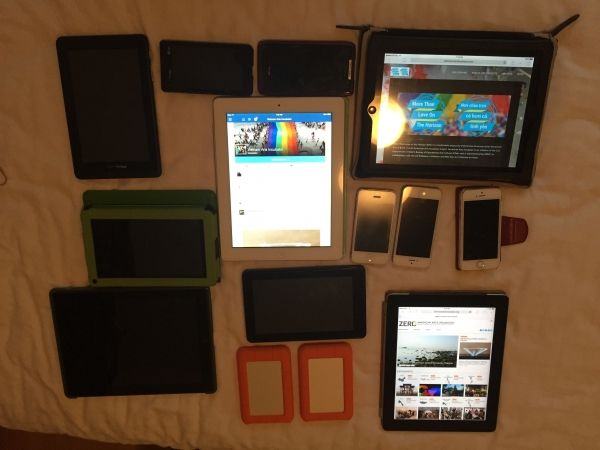 Tablets, iPhones, iPads, and Androids, 2016. Photo by G. E. O'Brien.