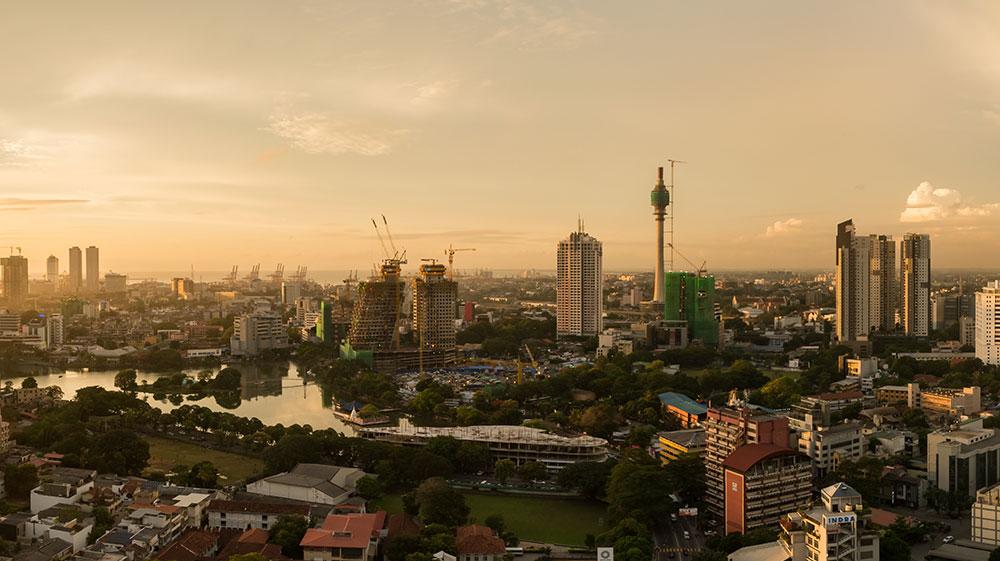 SRI-Colombo-Luftbild-Sonnenuntergang-by-dronepicr